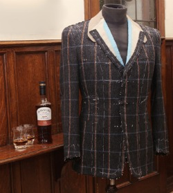 bowmore-suit1